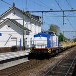 21 April 2016: Zevenbergen / 203-5 VR met een aantal wagons (type Res) van Wagon Care door Zevenbergen richting Roosendaal
