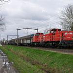 4 April 2015: Oisterwijk / 6426,6436 Met een sleep gesloten wagens naar Venlo.
