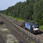 23 Augustus 2017: Duisburg Entenfang / ES 64 U2 - 067 TXL Met een lege hupactrein richting Ratingen.