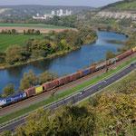 12 Oktober 2015: Himmelstadt / 189 883 BoxXpress met een containertrein richting Wurzburg.