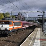 6 Oktober 2017: Helmond Brandevoort / 1827 (9901) RXP met acht Müller-rijtuigen (13491) naar Alkmaar.