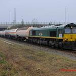 4 December 2014: Tegelen / V264 RTB bij Tegelen met een gemengde gastrein van Butadieen (UN 1010) en lege wagens voor het vervoer van Gasmengsels (UN 1965), naar Marl (D).