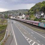 16 April 2016: Linz am Rhein / 186 241 MSM Gruppe met een feest trein (zuip trein) richting Koblenz.