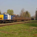 29 Maart 2012: Haanrade /  203-2 Locon-Vr  Met de lege huisvuiltrein (50093). Na aankomst zal de trein via het rechter spoor geduwt naar de laad en los plaats gaan