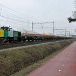 9 Februari 2015: Venlo / 1796 Locon met sleep gasketelwagens richting Venlo.