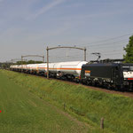 9 Mei 2016: Hulten / 189 099 Locon met een Keteltrein richting Tilburg.