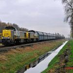 15 November 2014: Budel / 7781 NMBS,7777 NMBS Met lege zinktrein richting Neerpelt.