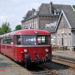 14 Augustus 2014: Simpelveld / 798-09 met 2 wagens staan klaar voor vertrek naar Kerkrade.