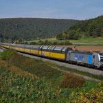 12 Oktober 2015: Harrbach / 193 810 RTB met een ARS Altmann trein richting Wurzburg.