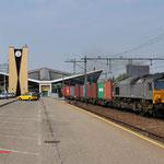 22 April 2011: Tilburg/  561-5 Husa met Blerick-shuttle opweg ri Blerick.