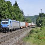 21 Juni 2017: Oberwinter / 187 003 BLS Met een containertrein richting Koblenz.