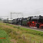 11 Juli 2014: Heeze / VSM 23 076,VSM 52 3879 met 3 rijtuigen onderweg naar de ZLSM