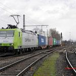 29 Januari 2015: Rheinhausen Ost / 185 532 ITL met een containertrein naar Emplacement Rheinhausen.