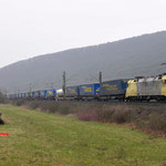 15 Maart 2016: Wernfeld / ES 62 U2 - 011 TXL met een LWK Waltertrein richting Gemunden am main.