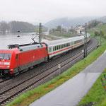13 April 2016: Lorch / 101 011 Met IC 2013 naar Oberstdorf omgeleid via de rechter rijn strecke