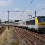 9 Juni 2015: Maastricht Randwijck / 1351 Met het ledig materieel van de lourdes trein richting Vorst