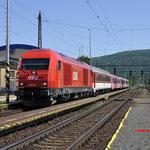 7 Juni 2016: Devínska Nová Ves / 2016 012 Met trein Os 2523 van Bratislava naar Wenen Hbf