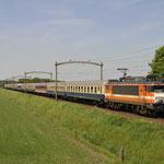9 Mei 2016: Hulten / 1837 (9903) met 13 Centralbahn rijtuigen vanuit Rotterdam centraal naar Maastricht (39800).