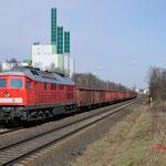 28 Februari 2015: Duisburg / 232 426 Met schroottrein richting HKM.