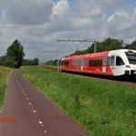 11 Augustus 2014: Zevenaar / 375 als stoptrein naar Winterswijk.