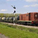 Loenen: 2459 Met een fotogoederentrein richting Eerbeek.