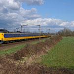 4 April 2015: Boxtel / 4238,4022 Als IC naar Den Haag Centraal.