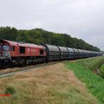 15 Augustus 2014: Budel / DE6301 met lege zinkertstrein (47661) naar Antwerpen.