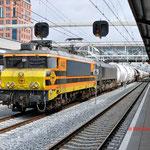 9 Mei 2014: Den Bosch / 4402 RRF en 653-05 Met lege dolimetrein door Den bosch richting Sittard