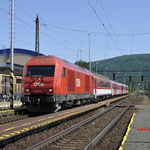 7 Juni 2016: Devínska Nová Ves / 2016 033 Als trein Os 2525 van Bratislava naar Wenen