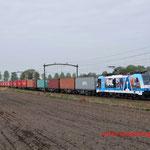 10 April 2014: Helmond Brandevoort / 186 110 RTB met volledig beladen Blerick-shuttle 51402 naar Blerick