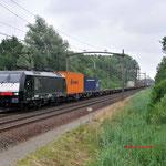 3 Juli 2013: Eindhoven/ 189 103 RTB met een Br-shuttle opweg naar Mvt.