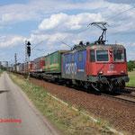 16 Juli 2014: Wiesental / 421 374 SBB met hupac trein richting Karlsruhe