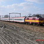2 Maart 2014: Eindhoven / 1251 EETC met 10 Rijtuigen als trein 87701 naar Venlo. Zijn rijtuigen die gehuurd waren voor het rijden van de wintersporttreinen naar Oostenrijk
