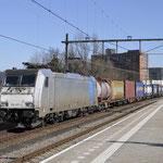 25 Februari 2018: Eindhoven / 186 457 CT met een Novara shuttle richting Kijfhoek.