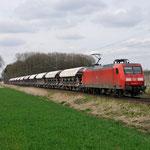 13 April 2015: Breyell / 145 038 DBS Met Kalktrein richting Duisburg.