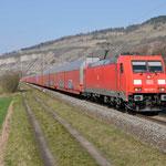 17 Maart 2016: Thungersheim / 185 220 DB Met autotrein richting Wurzburg