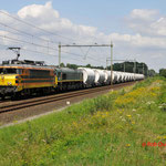 30 Juli 2014: Heeze / 4401 RRF+PB06 met 18 Taoos lege dolime trein 49667 ri Sittard.