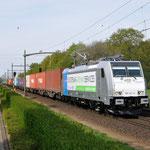 29 April 2015: Eindhoven / 186 421 RTB Met Br-shuttle richting Blerick.