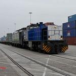 4 December 2014: Blerick / V155 RTB samen met de 189 285 Met een lege containerset op de ECT terminal