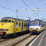 26 Maart 2016: Hoek van holland Haven / Links NSM 876 onderweg naar rotterdam en rechts 2981 onderweg naar hoek van holland strand.