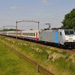 24 Mei 2015: Hulten / 186 181 NMBS Met Railpromo chartertrein (13903) vanuit Antwerpen naar Hengelo.
