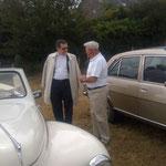 Présentation d'un cabriolet Peugeot 203 par M.Roussel, qui l'a restaurée lui-même