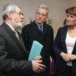 En discussion avec Gérard Coulon et le Préfet