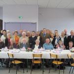 Les convives regroupés au début du repas pour la photoLouis et Madeleine Bouillet