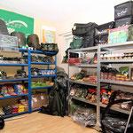 Angelkoffer, Taschen, Schlafsäcke und weiteres Equipment