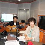須磨智子さんとラジオ収録中!(FM NORTH WAVEにて)
