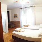Günstige 3 Bett Zimmer Pension Batosic Bed & Breakfast Makarska
