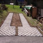 Parkplatz mit Rasengittersteinen erstellen