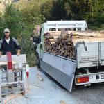 Holztransport und Säge-Arbeiten