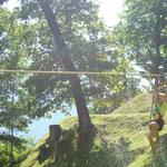 Samuel auf der Gorilla-Rutsche